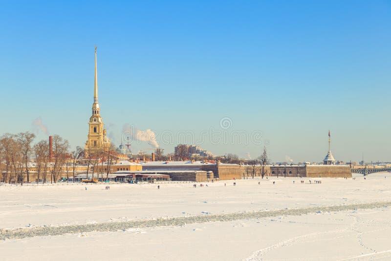 Panorama do Peter e do Paul Fortress em St Petersburg imagens de stock