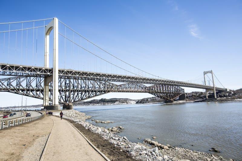 Panorama do Pont de Quebeque na estação de mola fotos de stock royalty free