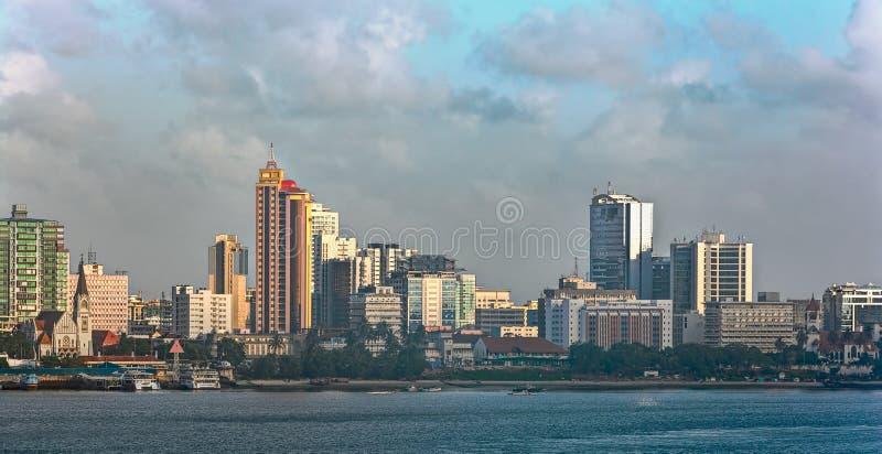 Panorama do por do sol de Dar Es Salaam City Centre fotografia de stock