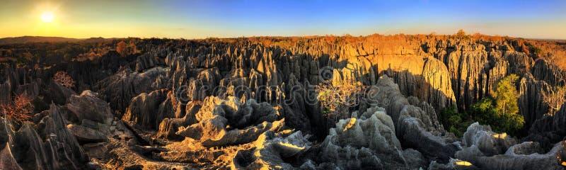 Panorama do por do sol de Tsingy fotografia de stock