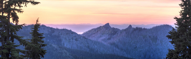 Panorama do por do sol norte do furacão Ridge foto de stock royalty free