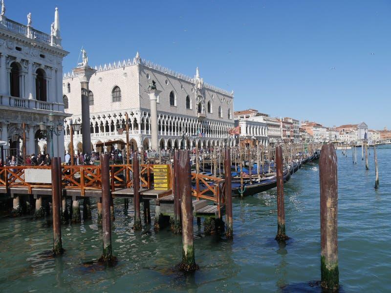 Panorama do quadrado de Veneza - de San Marco do canal grandioso imagens de stock royalty free
