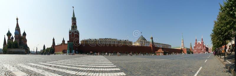 Panorama do quadrado vermelho em um dia de verão, Moscovo imagem de stock