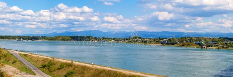 Panorama do rio de Rhine foto de stock royalty free