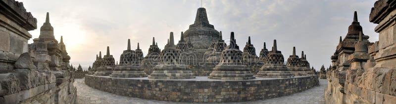 Panorama do templo de Borobudur na ilha de Java fotografia de stock royalty free