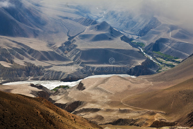 Panorama do vale de Kali Gandaki, Nepal fotos de stock royalty free