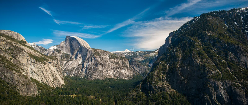 Panorama do vale de Yosemite fotografia de stock