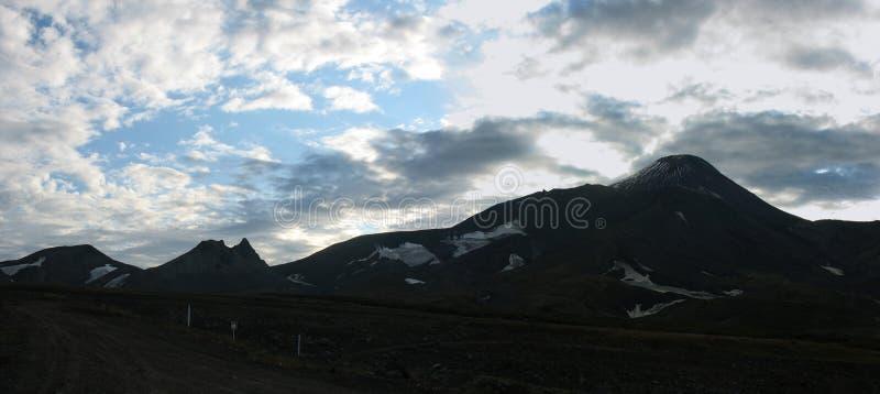 Panorama do vulcão de Avacha, Kamchatka imagem de stock royalty free