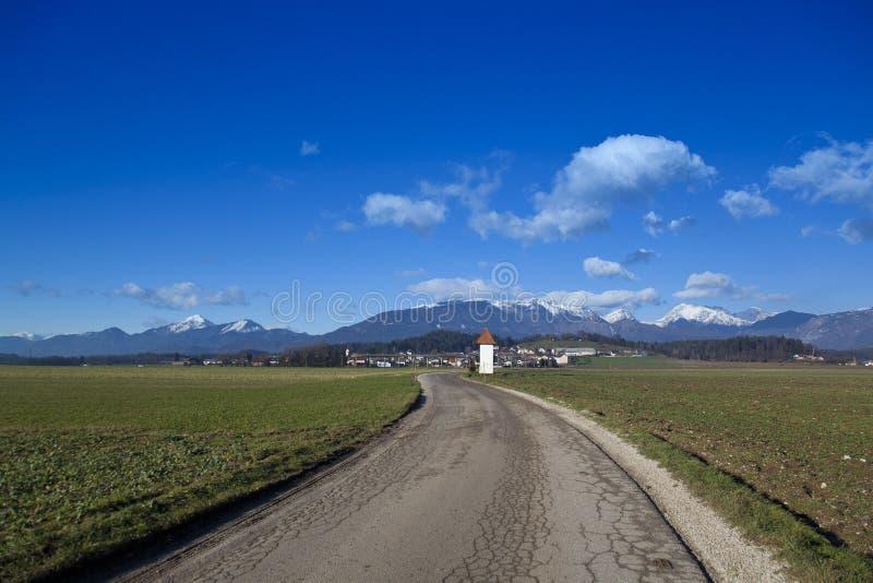 Panorama dos cumes de Kamnik foto de stock