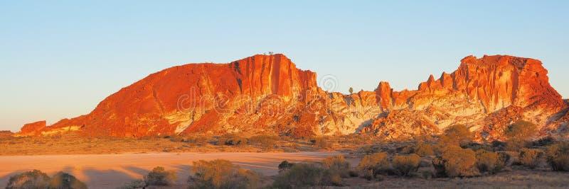 Panorama dos penhascos coloridos no vale do arco-íris fotografia de stock royalty free