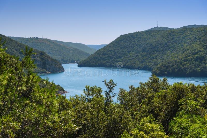 Panorama du canal et de la vallée de Lim Limska en Croatie photos libres de droits