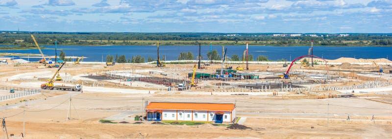 Panorama du chantier de construction d'un stade énorme image stock