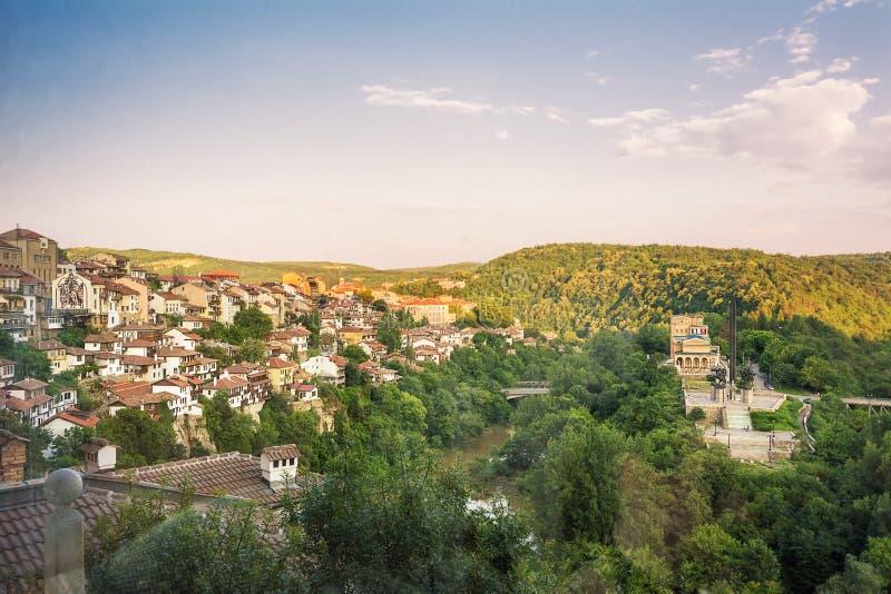 Panorama du fleuve Yantra à Veliko Tarnovo Bulgarie photographie stock