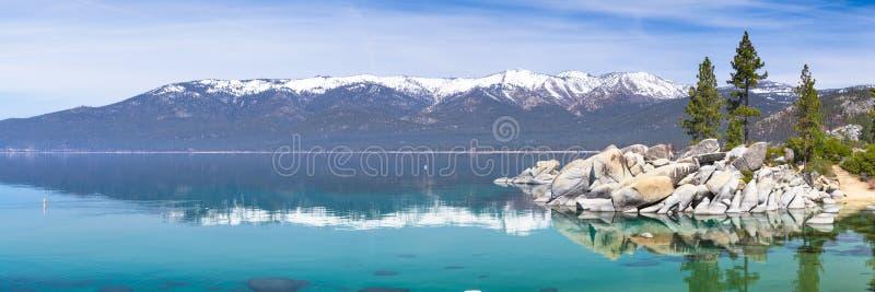 Panorama du lac Tahoe photographie stock libre de droits