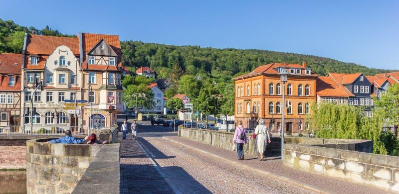 Panorama du pont au-dessus de la rivière Werra dans Hannoversch Munde photographie stock