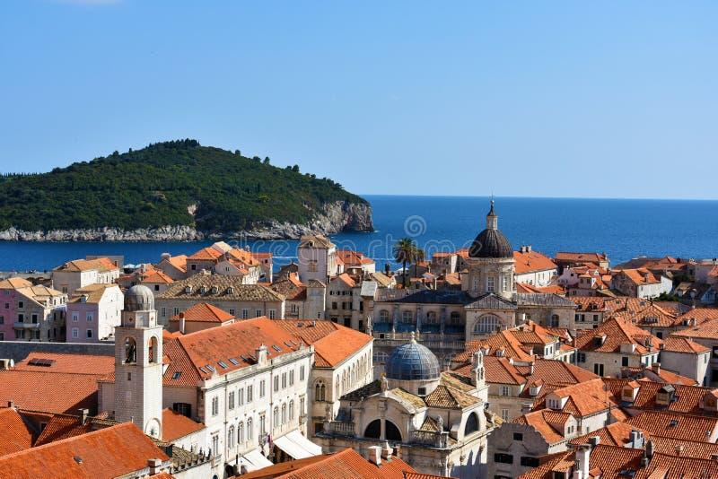 Panorama Dubrovnik en Lokrum stock afbeelding