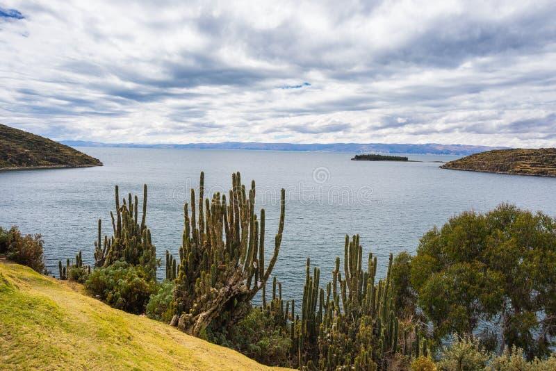 Panorama en la isla del Sun, lago Titicaca, Bolivia foto de archivo