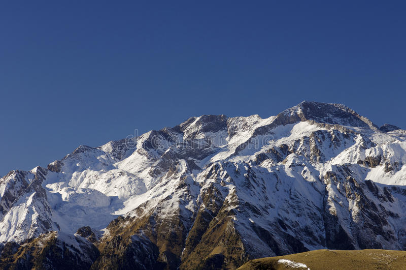Panorama en los Pyrenees imagen de archivo