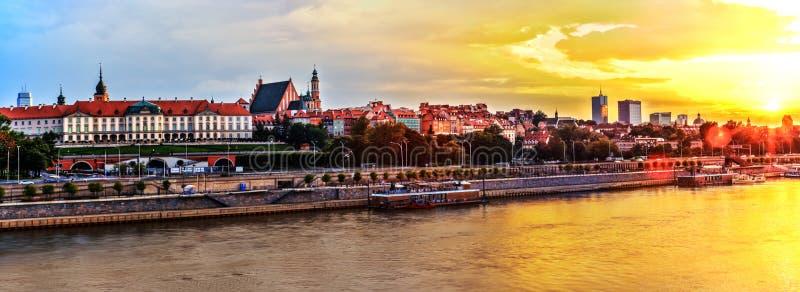 Panorama enorme en HDR de Varsovia del río el Vístula foto de archivo libre de regalías