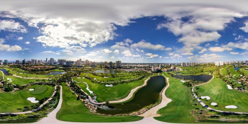 Panorama equirectangular sphérique Aventura G d'image aérienne de bourdon image libre de droits