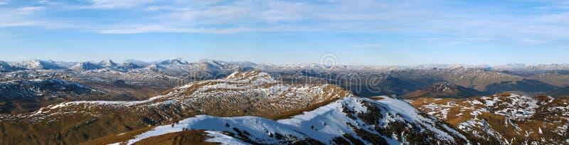 Panorama escocés de la montaña de las montañas Una visión del oeste de Ben Ledi foto de archivo libre de regalías