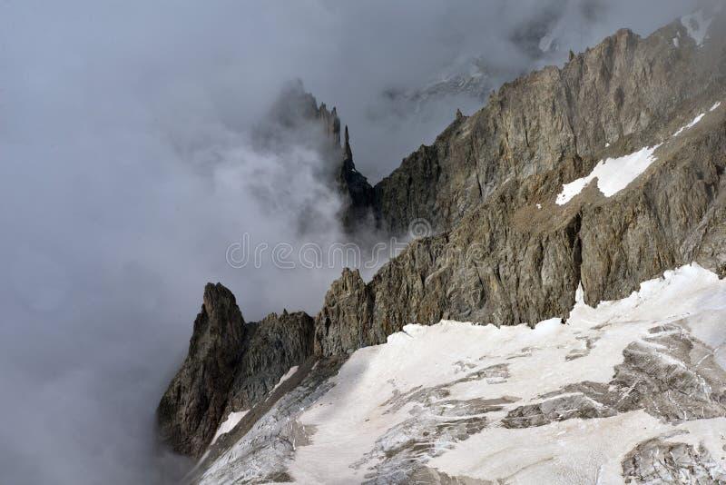 panorama för mont för massiv för alpsblanc italiensk Ialian alpint landskap arkivbilder