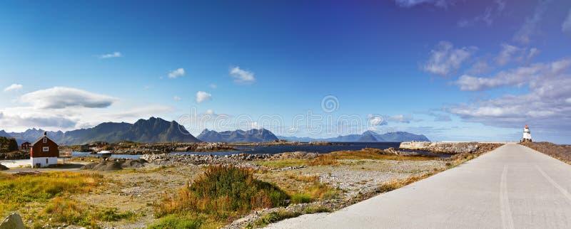 Panorama för sommar för Norge landskap solig royaltyfria foton