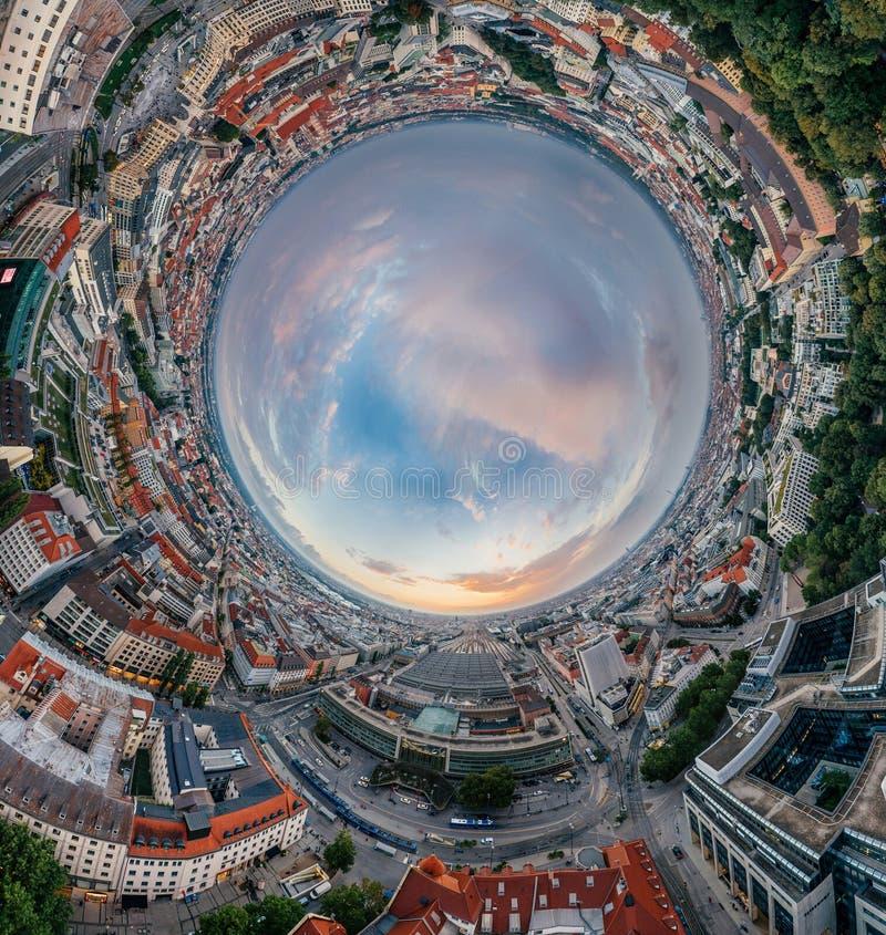 Panorama för virtuell verklighet för vr för surr 360 för Munich stadsluft arkivbilder