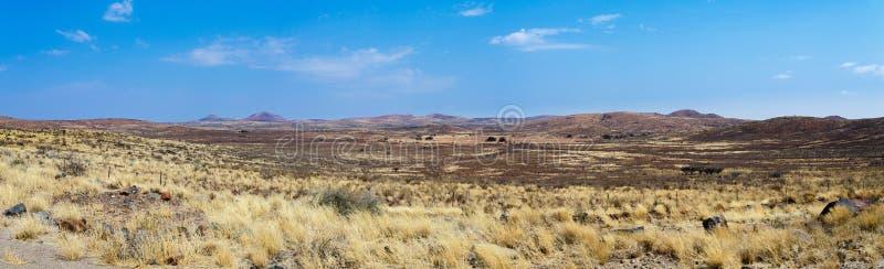 Panorama fantastyczny Namibia moonscape krajobraz zdjęcia stock