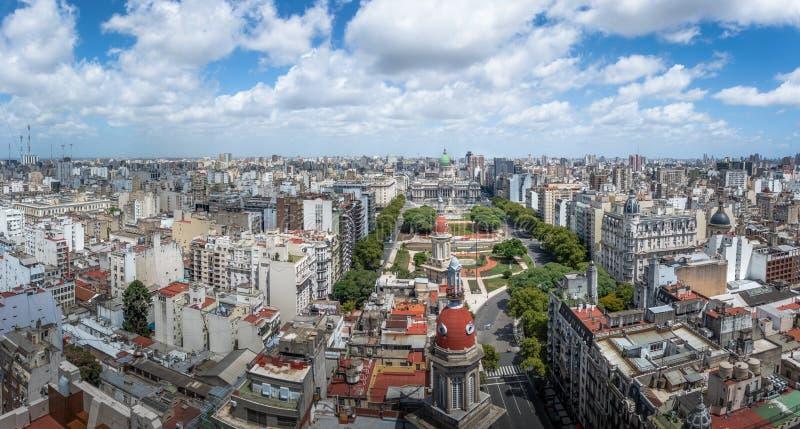 Panorama- flyg- sikt av Buenos Aires och plazaen Congreso - Buenos Aires, Argentina arkivbild