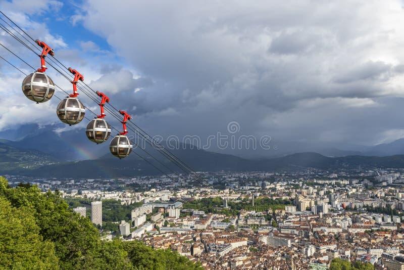 Panorama- flyg- sikt av den Grenoble staden, Frankrike arkivfoton