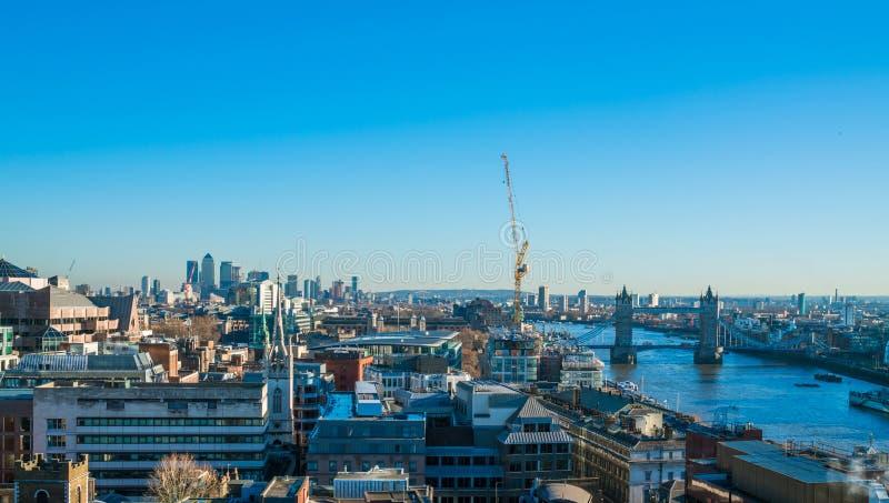 Download Panorama- Flyg- Sikt Av London Redaktionell Arkivbild - Bild av london, område: 106838027