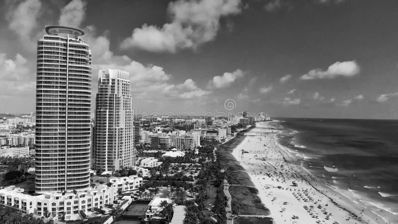 Panorama- flyg- sikt av Miami horisont från den södra Pointe pir royaltyfri bild