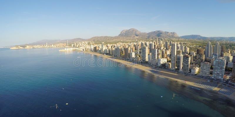 Panorama- flyg- sikt av Playa de Levante, Benidorm - BEDÖVA royaltyfria foton