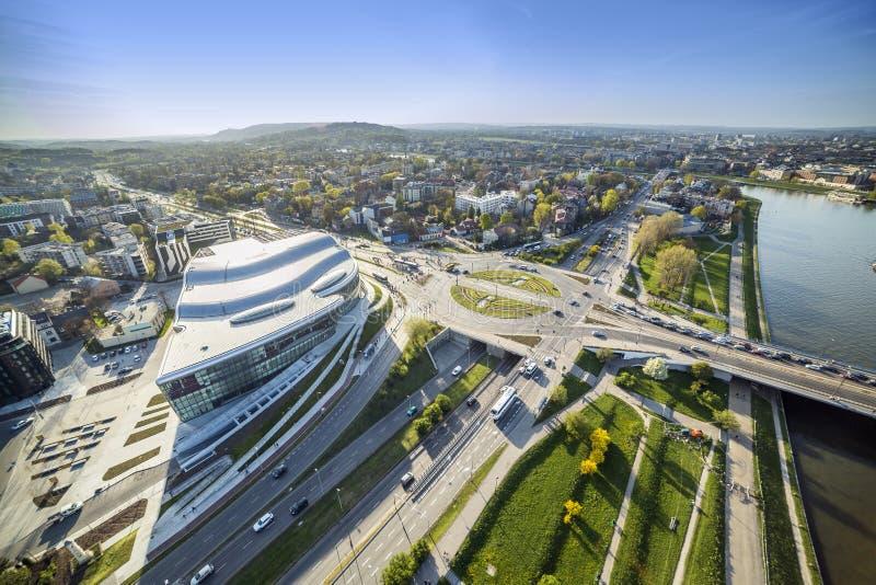 Panorama från ovannämnt av den moderna delen av Krakow royaltyfria foton