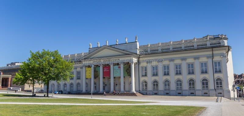 Panorama Fridericianum muzeum w centrum Kassel zdjęcia royalty free