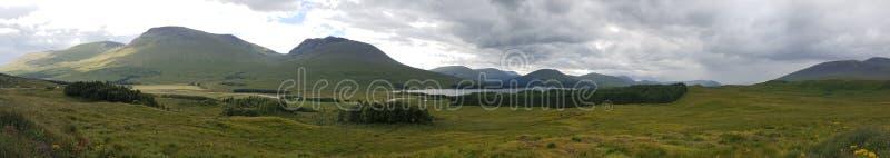 Panorama Glenn Mountain Lake lizenzfreies stockbild