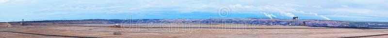 Panorama grande de un hueco de carbón abierto fotos de archivo