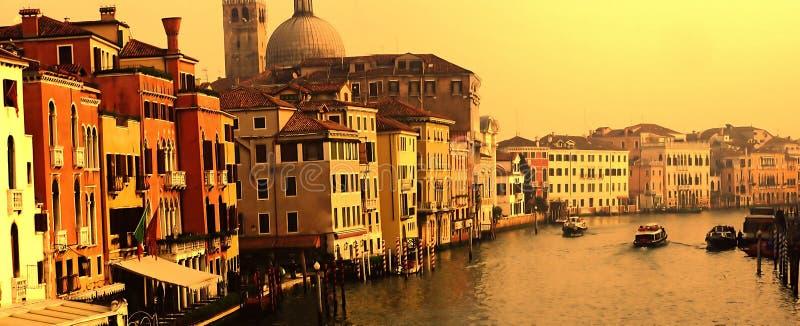 Panorama grandioso do canal de Veneza imagens de stock