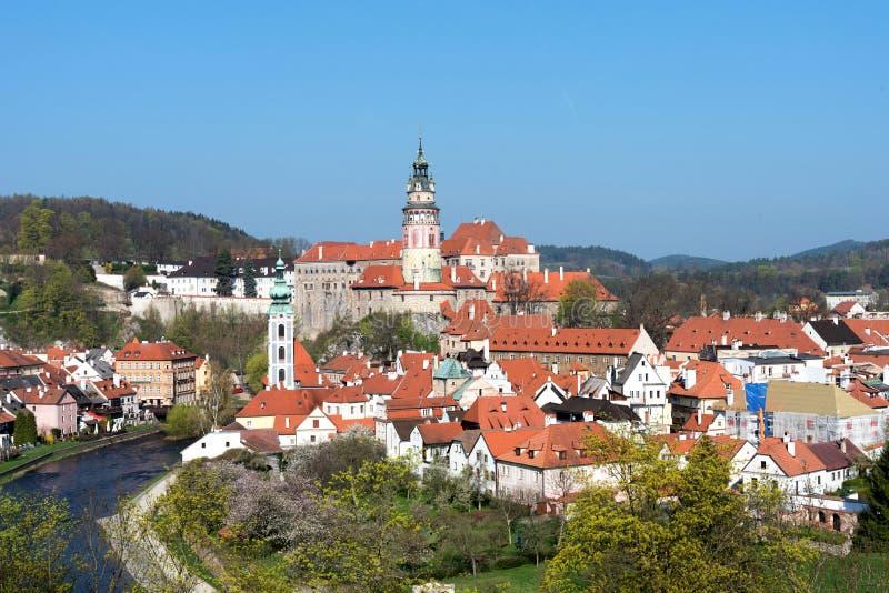 Panorama- härlig sikt av den historiska mitten i Cesky Krumlov, Tjeckien royaltyfri bild