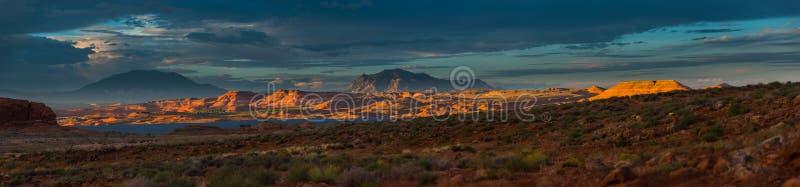 Panorama Henry Mountains, södra centrala Utah, Förenta staterna royaltyfria bilder