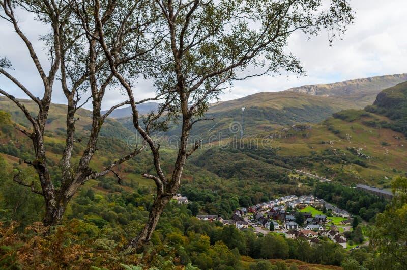 Panorama hermoso de Kinlochleven de la ladera, Escocia, Gran Bretaña fotos de archivo libres de regalías