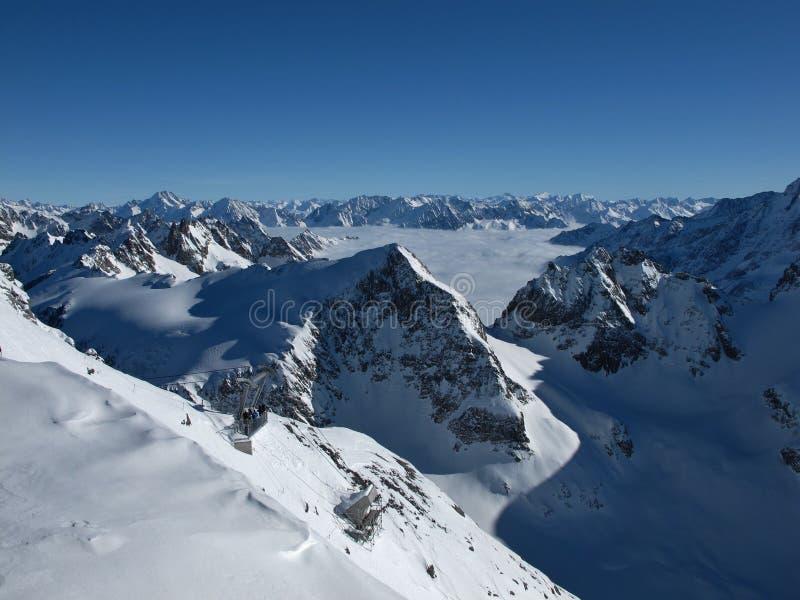 Panorama hermoso de la montaña imagen de archivo libre de regalías
