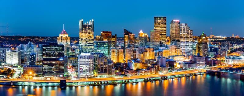 Panorama het van de binnenstad van Pittsburgh royalty-vrije stock fotografie
