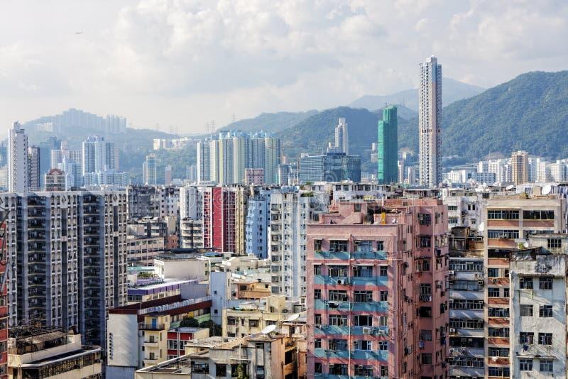 Panorama Hong Kong för flyg- sikt med stads- skyskrapor arkivbild