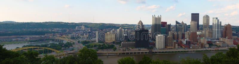 Panorama horizonte de la Pittsburgh, Pennsylvania fotografía de archivo libre de regalías
