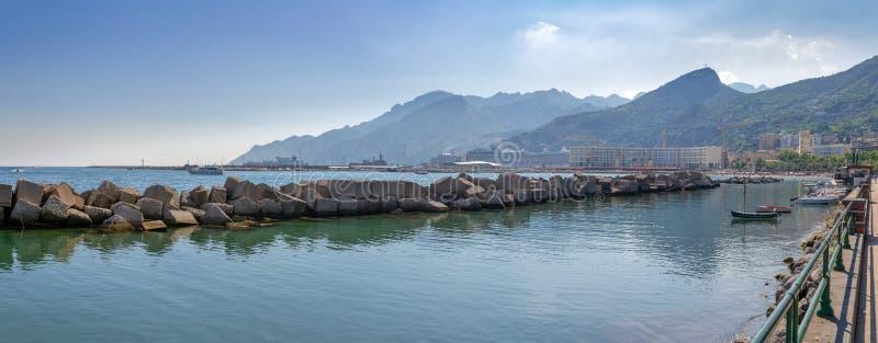 Panorama i Salerno, Italien royaltyfria foton