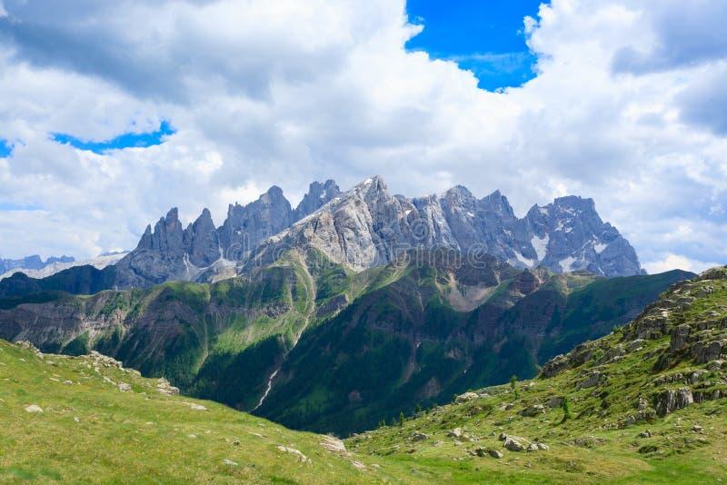 Panorama italiano da montanha fotografia de stock