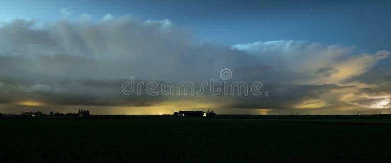 Panorama jesieni burze wzdłuż holendera wybrzeża obraz royalty free