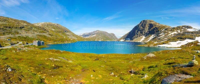 Panorama jeziorny Djupvatnet na drodze wspinać się Dalsnibba, Norwegia obraz royalty free